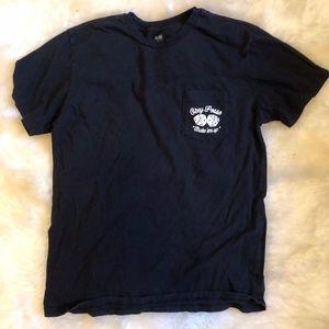 """Men's M Obey """"Shake 'em up"""" Pocket T-Shirt"""
